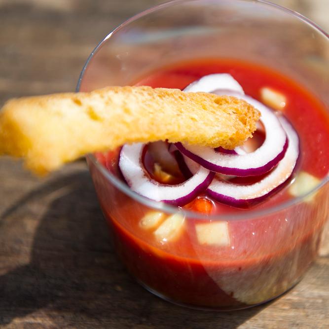 Crostini con Salsa Gazpacho: la ricetta | Pomodoro Petti