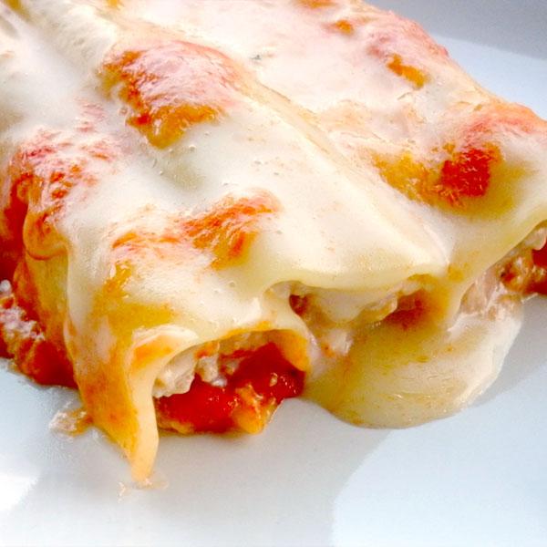 Cannelloni ripieni con salsiccia e ricotta: la ricetta | Pomodoro Petti