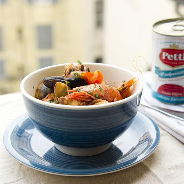 Cacciucco alla livornese: la ricetta | Pomodoro Petti