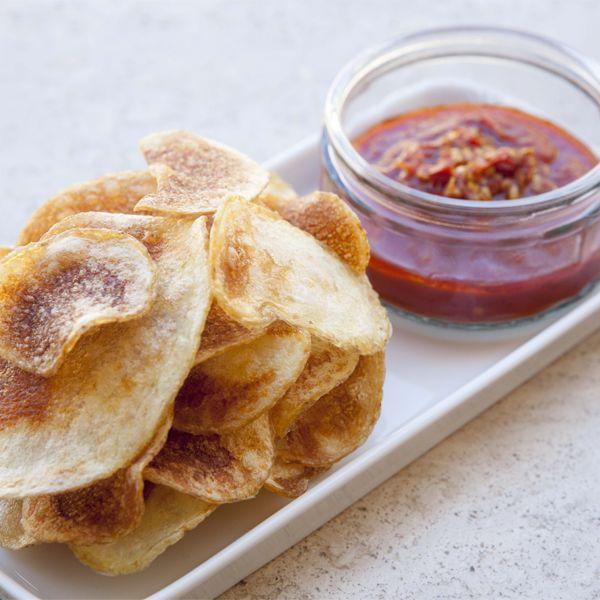Chips con salsa piccante