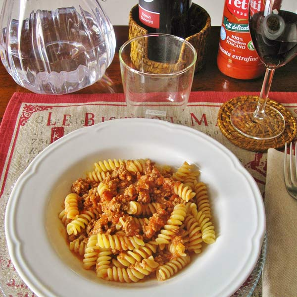 Fusilli pasta with Fassona ragu | Petti Recipes
