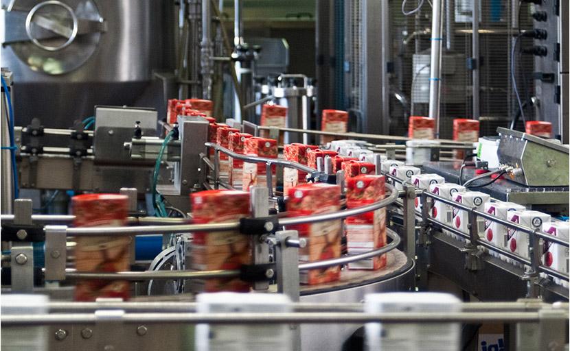 Linea 3 Tetra Brik Aseptic per la produzione del pomodoro all'interno dello stabilimento Antonio Petti fu Pasquale S.p.A.