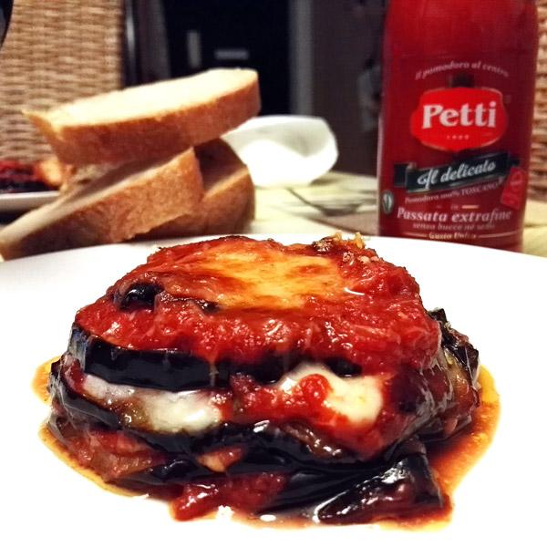 Parmigiana monoporzione con provola affumicata: la ricetta | Pomodoro Petti