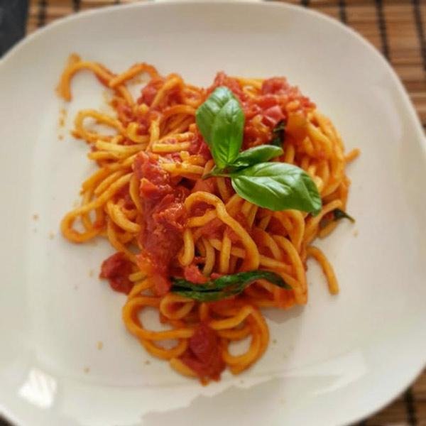 Pasta fresca al pomodoro: la ricetta | Pomodoro Petti