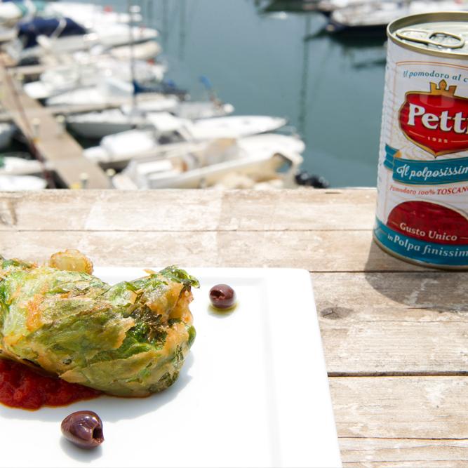 Involtini di lattuga ripieni di pane e oliva con salsa al pomodoro: la ricetta | Pomodoro Petti