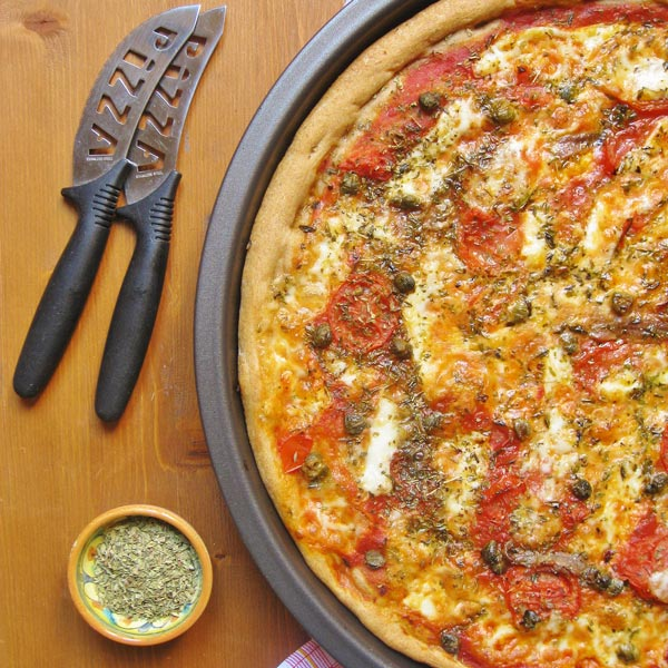 Whole wheat flour Pizza with sieved tomatoes | Petti Recipes