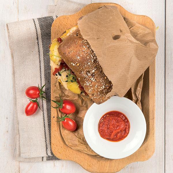 Hamburger con pane ai cereali e salsa al tartufo: la ricetta | Pomodoro Petti