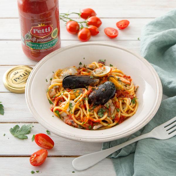 Seafood sauce spaghetti with Piccanto sauce | Petti Tomato - Petti Recipes