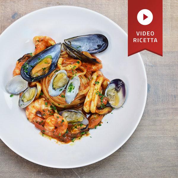 Linguine allo scoglio con il Pomodoro Petti - by lo Chef in Camicia